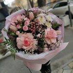 """Красивый букет из свежих цветов за вполне умеренную цену. Спасибо за оперативность доставки """"Ваш цветочный"""""""